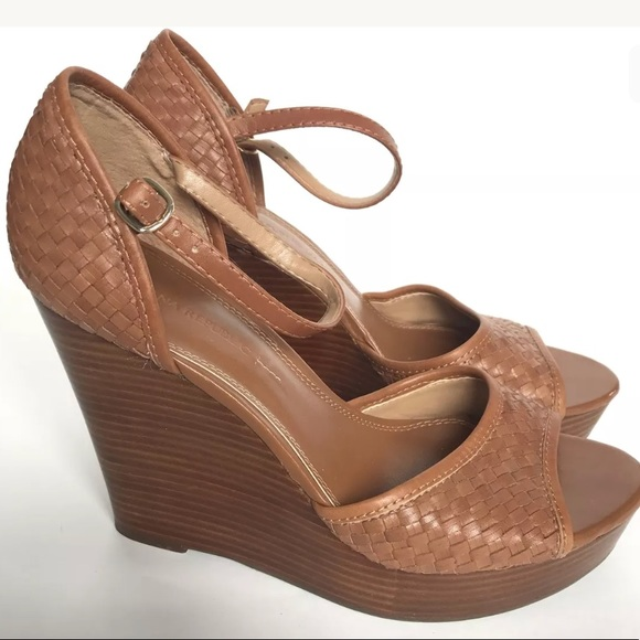 1048f9444a Banana Republic Shoes   Size 10 M Brown Wedge Open Toe   Poshmark